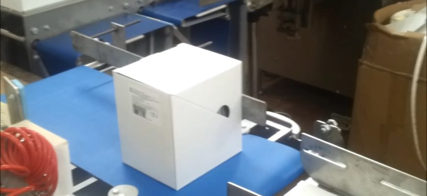 этикетка на коробке